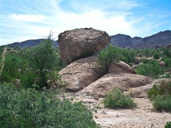 Desert Boulders Free JPG