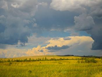 Landscape With Large Clouds Free JPG